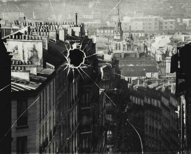 André Kerész, _Paris 1929 (Broken Plate)_. Gelatin silver print. Courtesy the New Orleans Museum of Art.