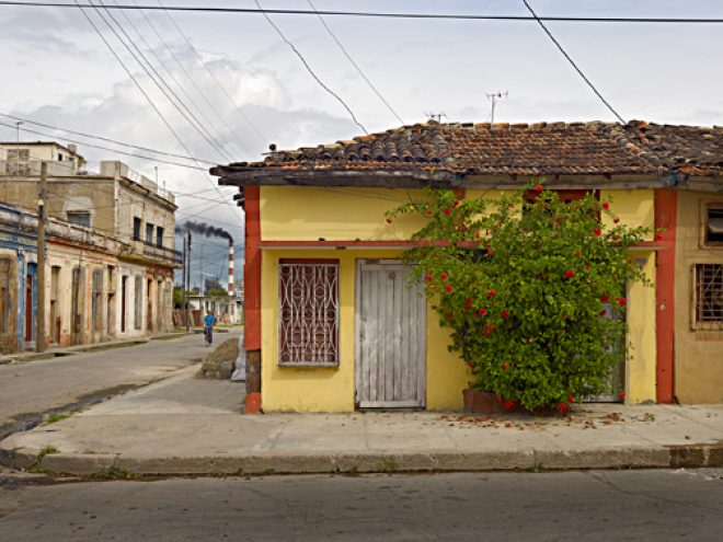 Richard Sexton, Street scene; Cienfuegos, Cuba, 2009. Courtesy the Artist and The Historic New Orleans Collection.
