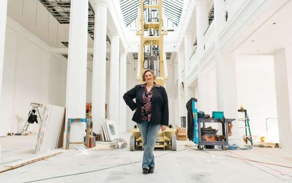 Curator and writer Jenni Sorkin at Hauser Wirth & Schimmel. Photo by Leo Cabal Photography. Image via [Hauser Wirth & Schimmel](http://www.hauserwirthschimmel.com/events/walkthrough-with-art-historian-jenni-sorkin-20160625).